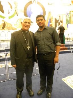Obispo D. Rafael con uno de los seminaristas, Jaime López de Nicaragua