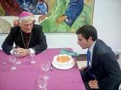 Tarta sorpresa por el cumpleaños de Antonio Matamalas en la cena con el Obispo (23/10/2016)