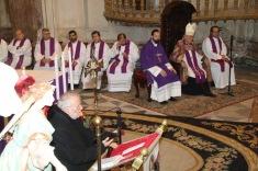 05 Medio presbiterio - lado Obispo